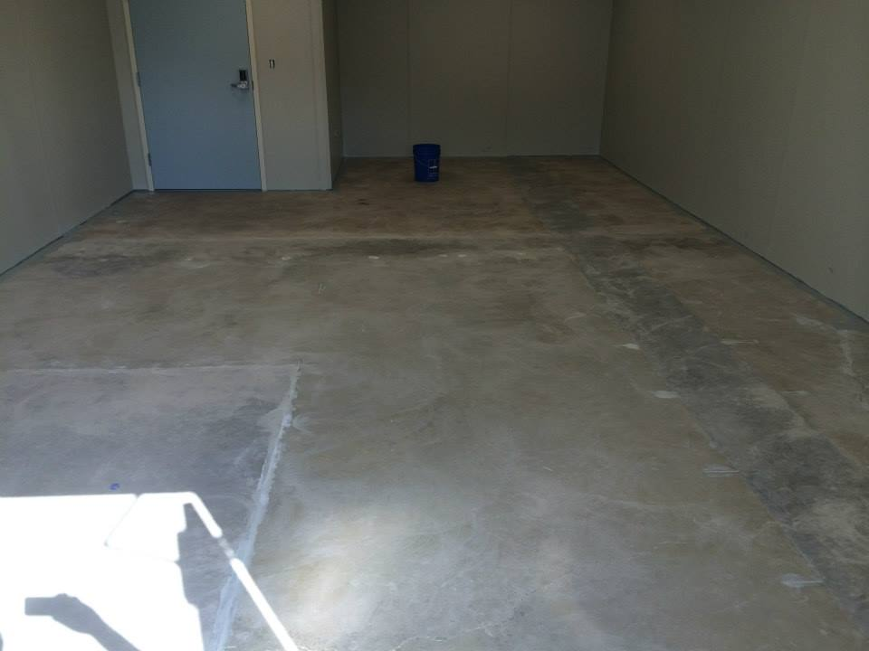 Commercial concrete flooring epoxy floor coating fort for Best way to power wash concrete