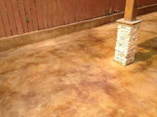 Outdoor Patio - Stained & Sealed