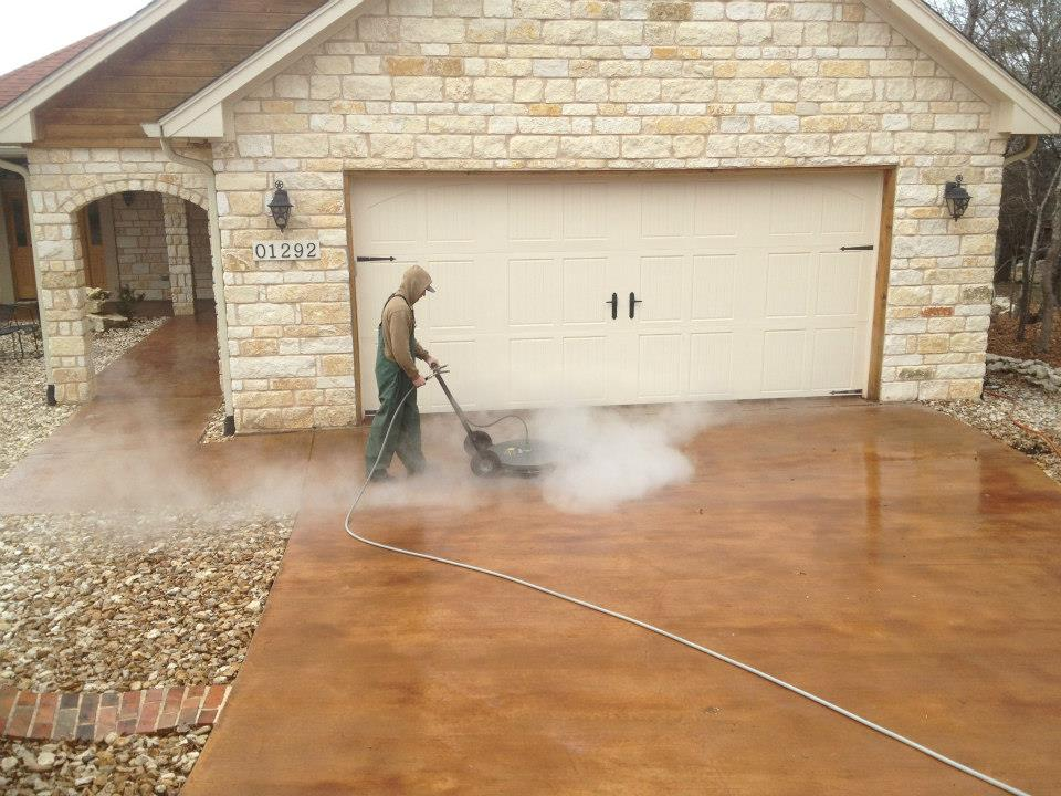 Power washing gallery fort worth tx lone star power for Cleaning stained concrete floors steam mop