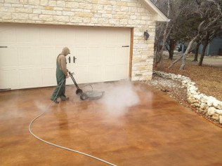 Surface Cleaning with Hot Water